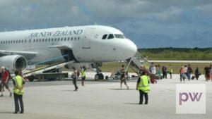 Plane unloading in Niue
